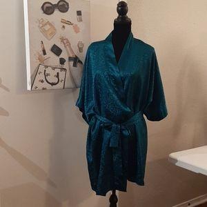 Morgan Taylor Emerald Green Robe w/Sash Sz M/L